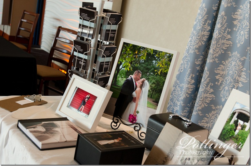 PottingerPhotographyNewportAquariumBridalShowBoothCincinnatiWeddingPhotographerBlog (6 of 7)