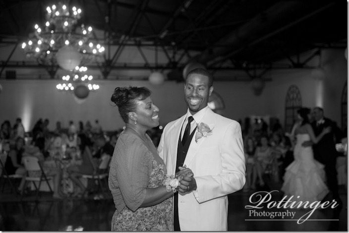 PottingerPhotoMellwoodArtCenterLouisvillewedding-44