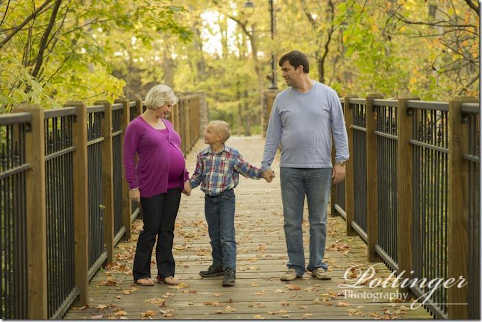 PottingerPhotographySharonWoodsmaternityphotofall-5