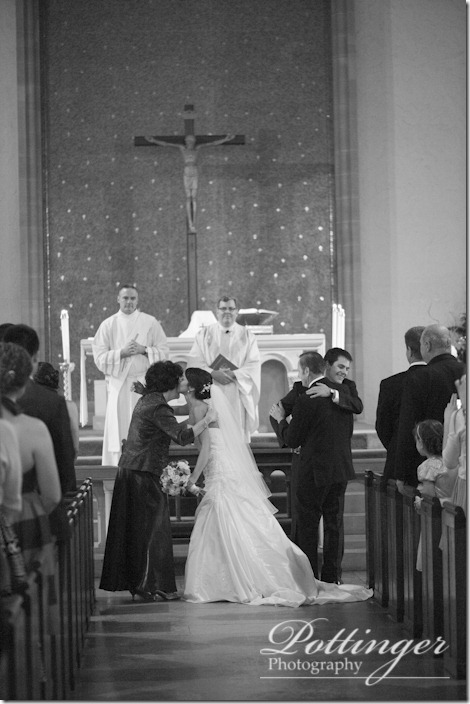PottingerPhotoImmaculateConceptionChurchColumbusAthenaeumGoodaleParkOSUwedding-8