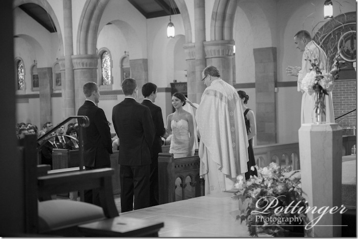 PottingerPhotoImmaculateConceptionChurchColumbusAthenaeumGoodaleParkOSUwedding-9