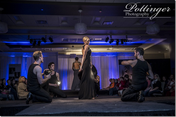 PottingerPhotoCincinnatiWeddingShowcasebridalshow-5744