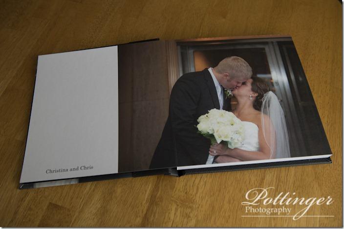PottingerPhotoTheBellEventCentreCincinnatiweddingphotographerscoffeetablealbumbook-7000