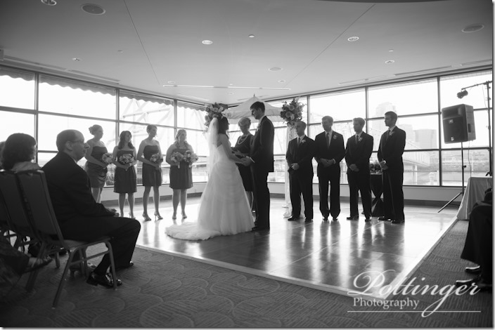 PottingerPhotographyNewportAquariumwedding-15