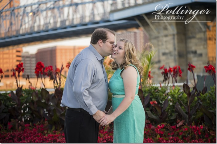 PottingerPhotoSmaleParkCincinnatiEngagement-9460