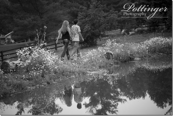 PottingerPhotographyCincinnatiengagementKentuckyfarm-3