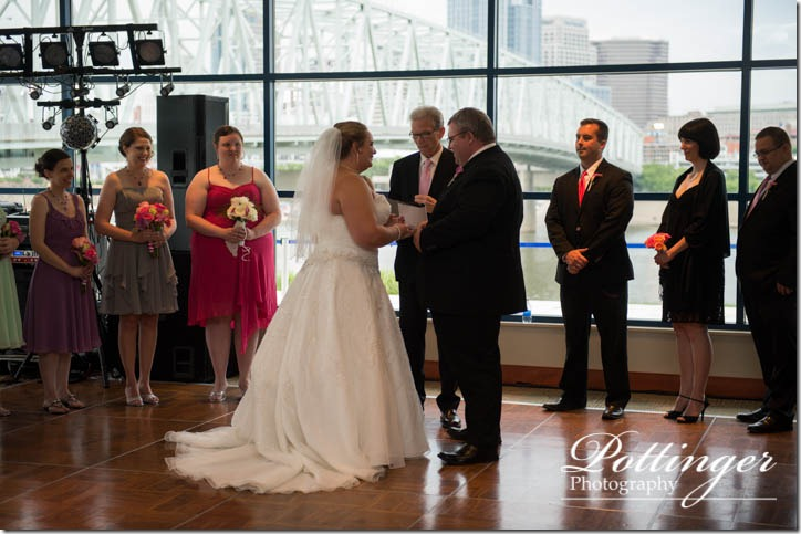 PottingerPhotographyNewportAquariumwedding-11