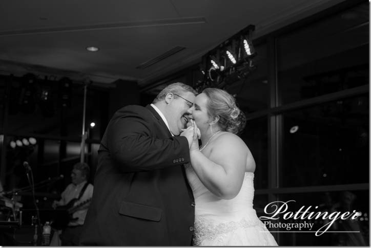 PottingerPhotographyNewportAquariumwedding-26
