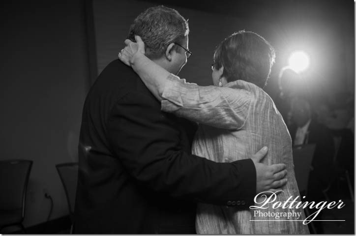 PottingerPhotographyNewportAquariumwedding-27