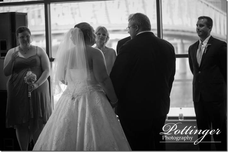PottingerPhotographyNewportAquariumwedding-9