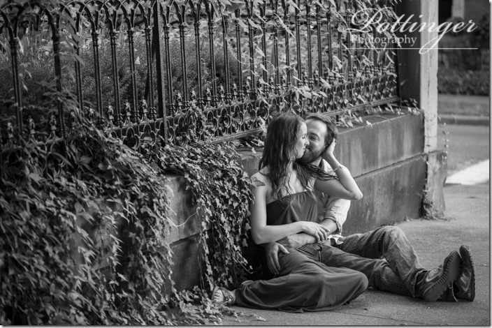 PottingerphotoCincinnatiweddingphotographerRiversideDriveCovington-3