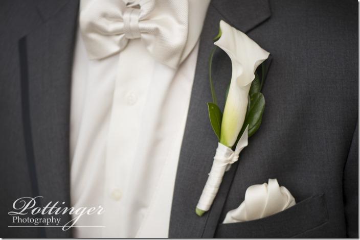 PottingerPhotoLakeLyndsayBeachHousewedding-11