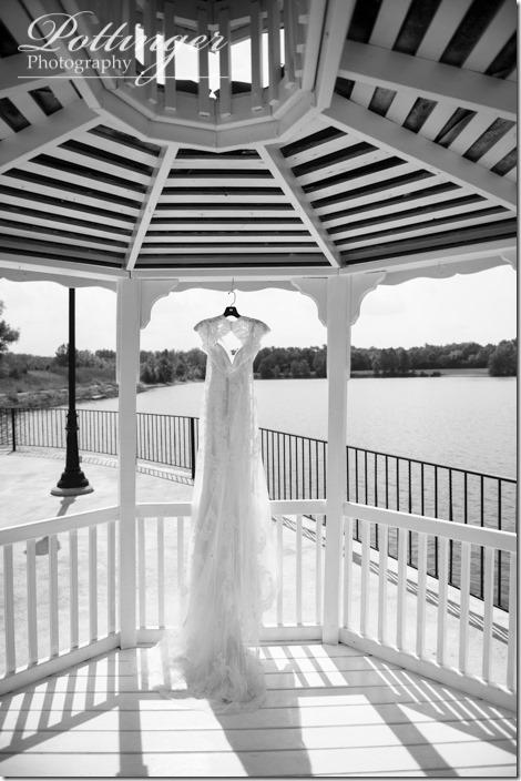 PottingerPhotoLakeLyndsayBeachHousewedding-1