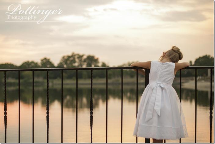 PottingerPhotoLakeLyndsayBeachHousewedding-38