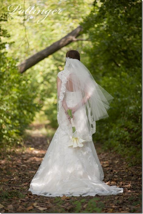 PottingerPhotoLakeLyndsayBeachHousewedding-6
