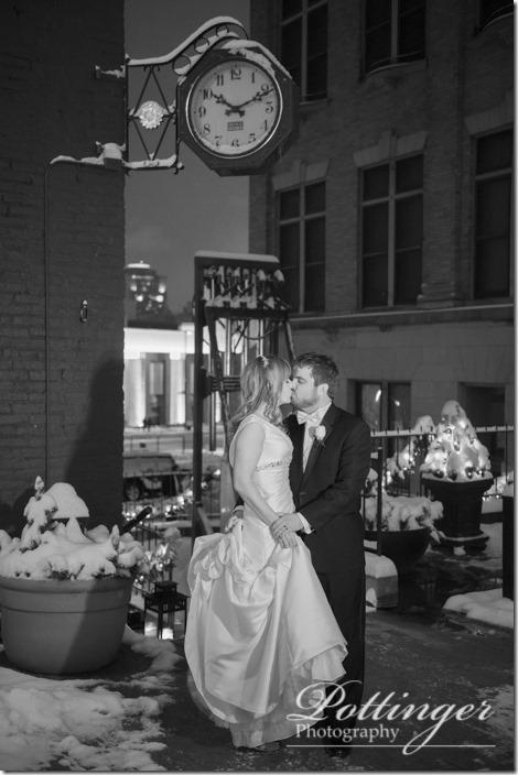 PottingerPhotoTheBellEventCentreCincinnatiwinterwedding-34