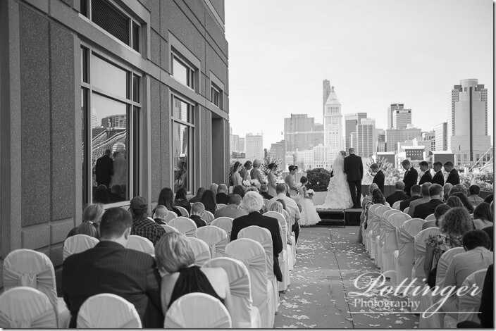 PottingerPhotoCincinnatiWeddingPhotographerEmbassySuitesRiverCenter-18