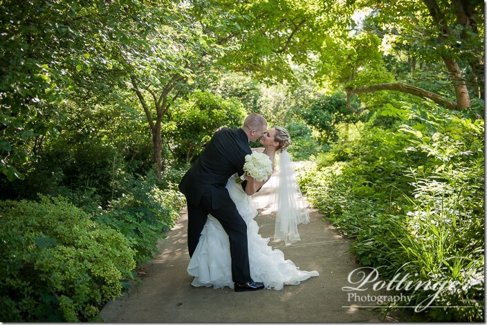 PottingerPhotoCincinnatiWeddingPhotographerEmbassySuitesRiverCenter-23