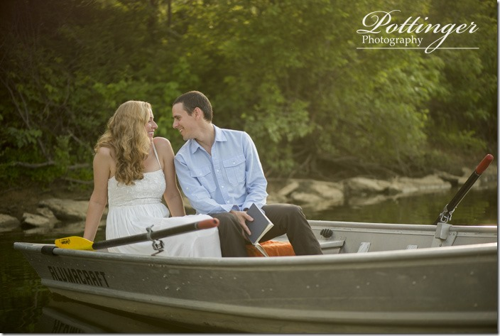 PottingerPhotoWintonWoodsrowboatengagement1