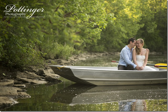 PottingerPhotoWintonWoodsrowboatengagement5