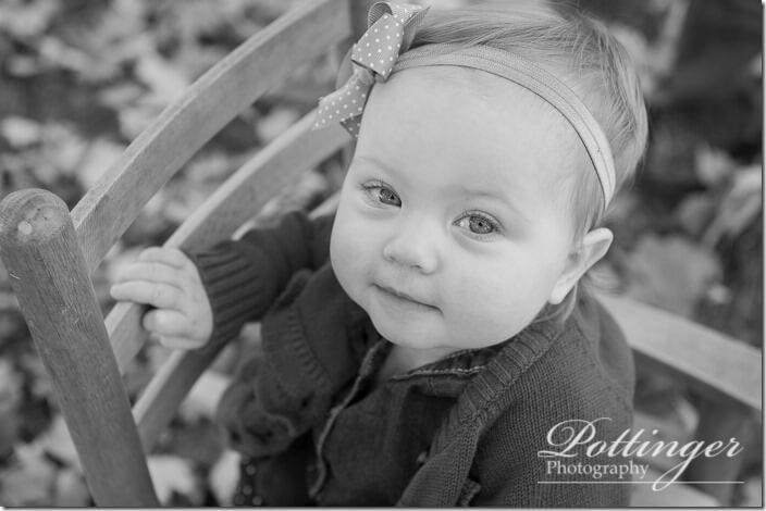 PottingerPhotoFallfamilyportraitWoodlandMound-3443