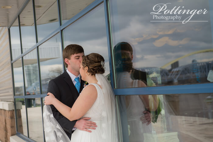 PottingerPhotoNewportAquariumwedding-0368
