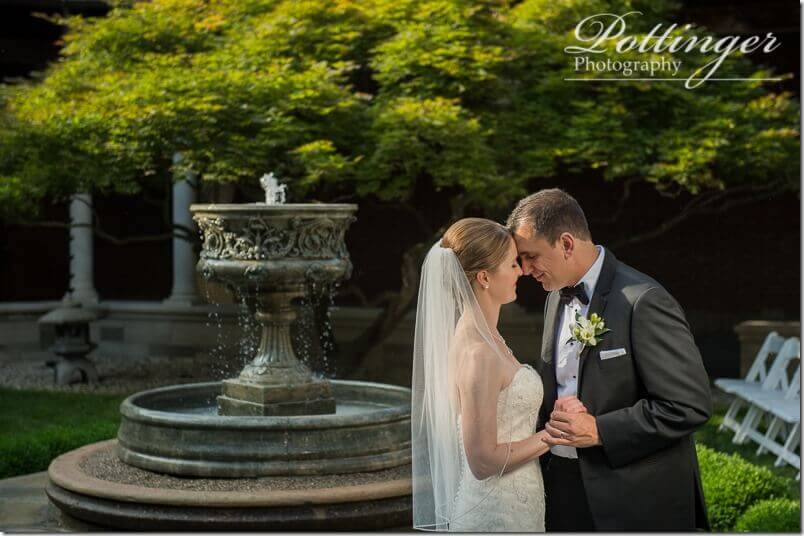 PottingerPhotoDaytonArtInstitutewedding-26_thumb